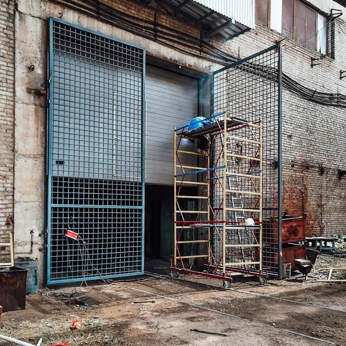 Решетки, ворота, двери